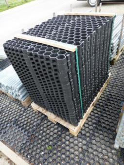 paddockplatte rasenwabe 50x40x4 cm schwarz arndt. Black Bedroom Furniture Sets. Home Design Ideas